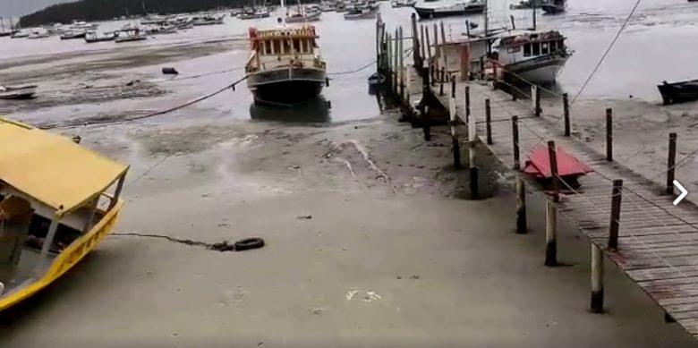 recuo do mar em Porto Belo (SC)