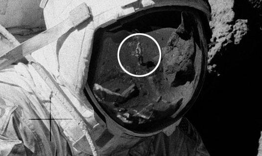 """Teoria da Conspiração: Foto """"prova"""" que viagem à Lua é uma farsa"""